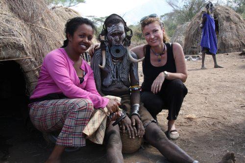 Etiyopya'nın güneyi, etnik kabilelerin yaşam sürdüğü Omo Vadisi'nde kadınların dudaklarına taktıkları seramik plakalarla ünlü Mursi Kabilesi'ne ziyaret...
